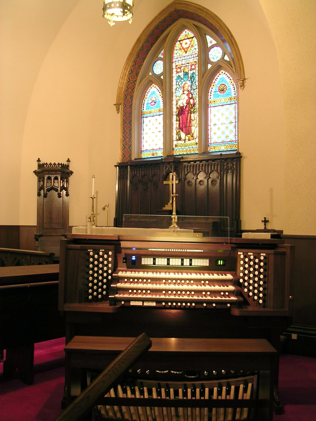 Trinity Episcopal, Alpena MI - Allen Three-Manual console/21 Rank Aeolian-Skinner Pipe Organ
